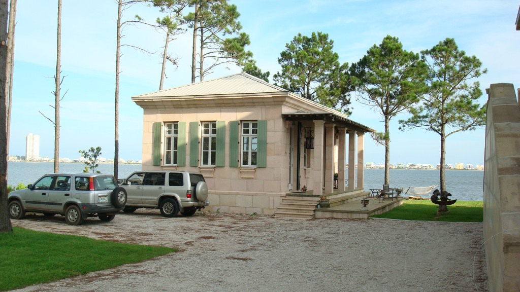 Lundys DAC-ART stone cottage in coastal Gulf Shores Alabama